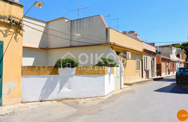 Casa con cortile nel quartiere Agliastrello 06